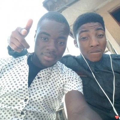 <p>its me and my best friend again...smiles</p>